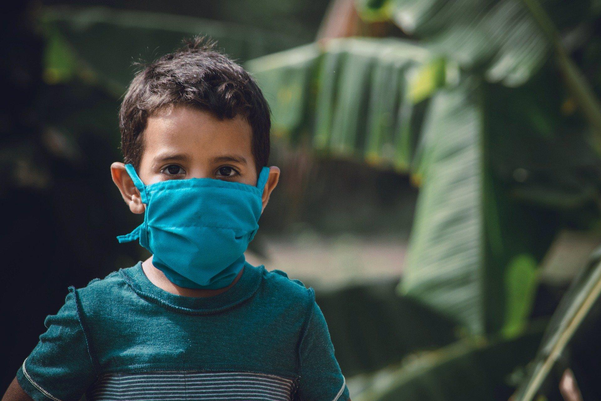 Zpátky do lavic: Zavření škol podle vědců zpomaluje šíření koronaviru až o 60 %