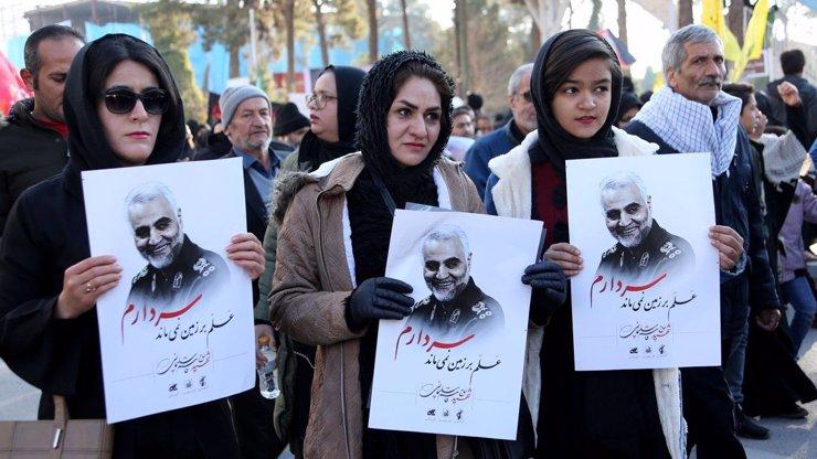 Smrt Americe: Írán vyhlásil všechny vojáky USA za teroristy a kuje pomstu