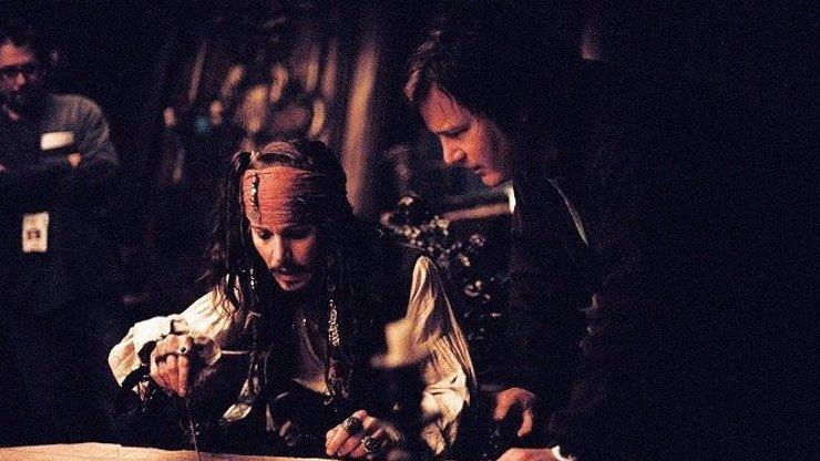 11 zajímavostí k filmu Piráti z Karibiku: Truhla mrtvého muže. Štáb ohrožovali skuteční piráti
