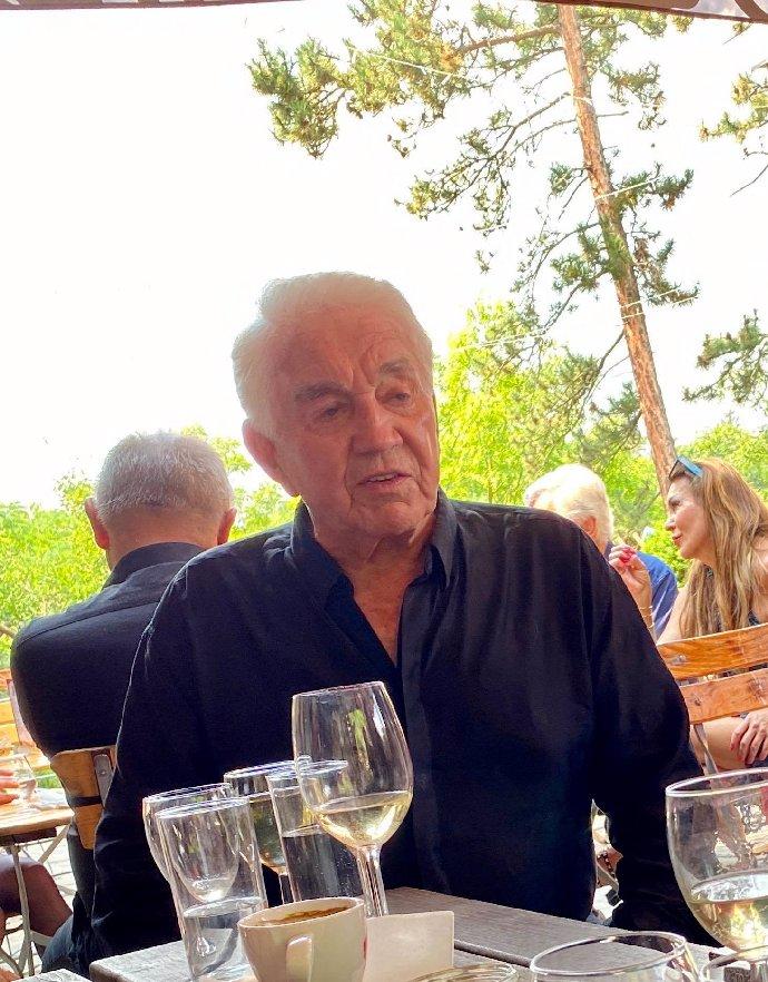 Vdovec Jiří Krampol je v 82 letech štramák: Pozval nás do bytu a ukázal, jak si udržuje fyzičku