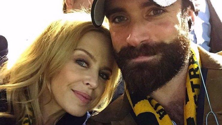 Kylie Minogue (47) bude konečně chystat veselku: Její zajíček (28) ji požádal o ruku!
