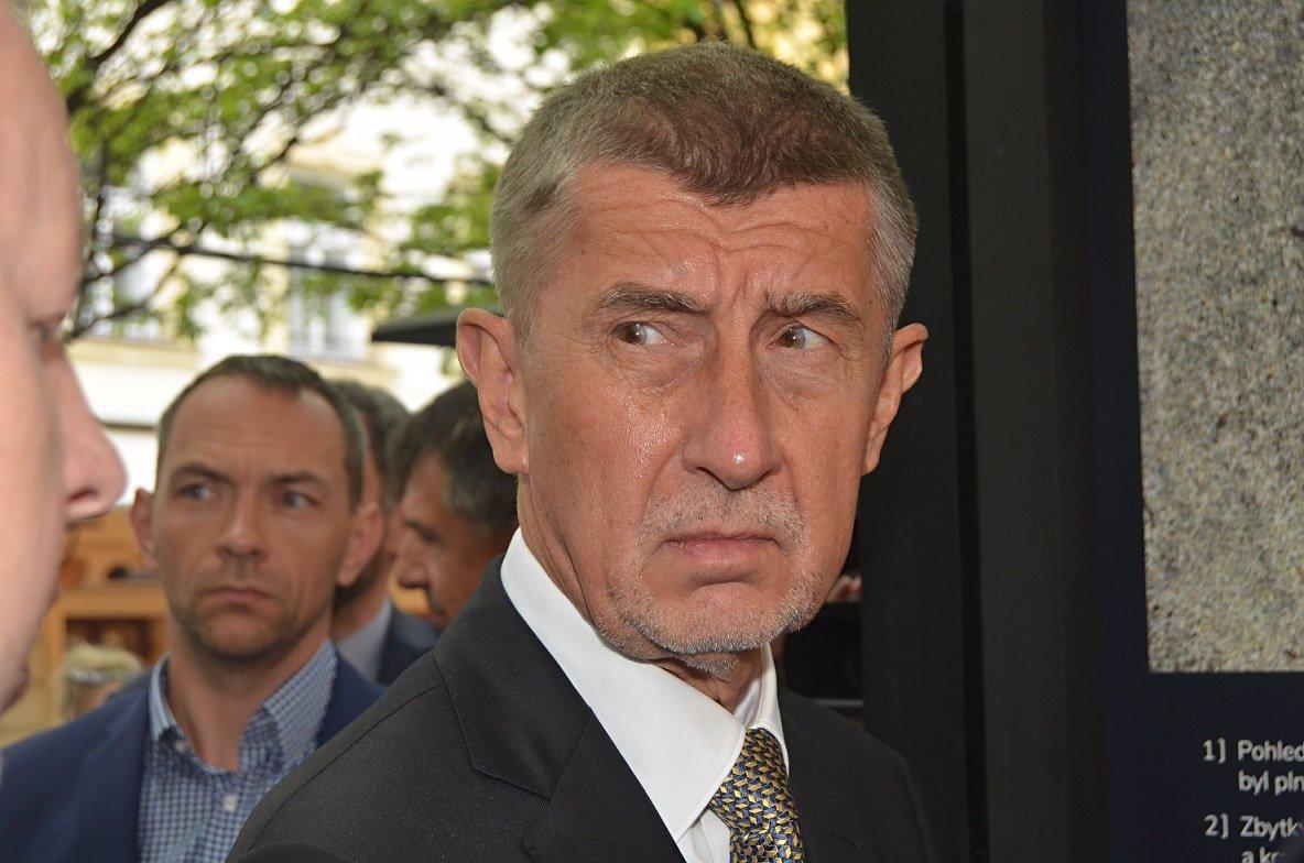 Babiš terčem posměšků ze strany NATO: Premiérův výrok považují za nejhloupější vůbec