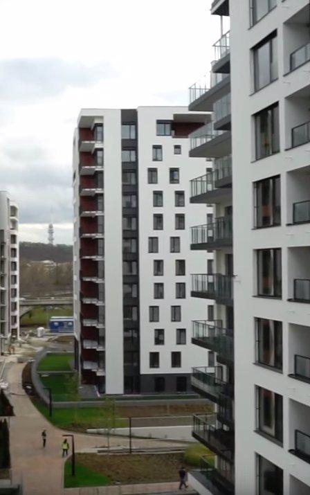 Luxusní bydlení Týnuš Třešničkové: Z pražského bytu má nádherný výhled