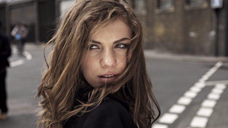 Pecka roku: V českém šoubyznysu způsobila zemětřesení tahle holka, proč? Čtěte!