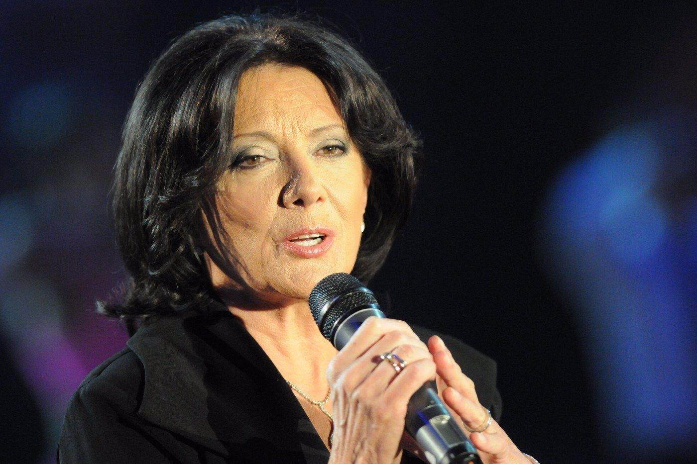 Triumfální návrat po 9 letech: Titulní píseň k seriálu Zrádci nazpívala Marie Rottrová