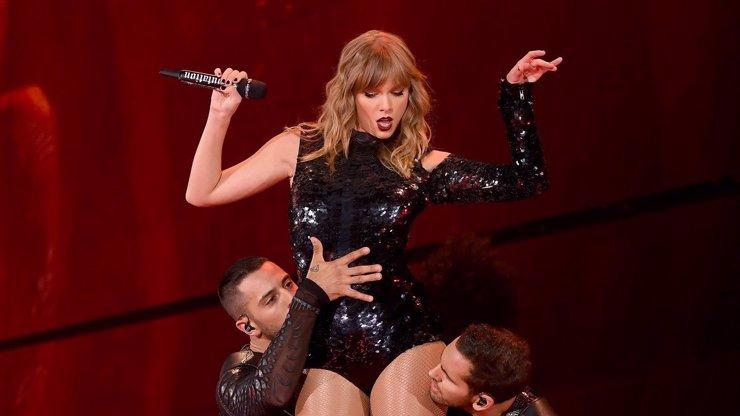Taylor Swift upřímně: Kvůli posměškům odmítala jíst a byla v ohrožení života