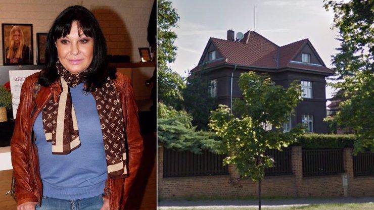 Honosná vila Dády Patrasové na Vinohradech: Třípatrový dům má jenom pro sebe