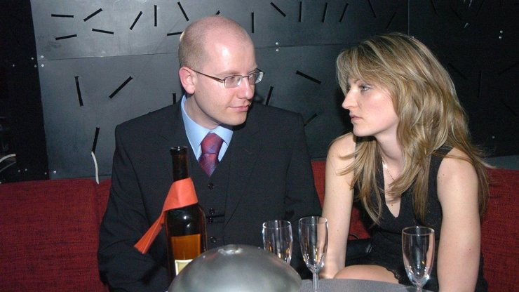 Rizikové povolání! Psycholog vysvětlil, proč se premiérovi Sobotkovi rozpadlo manželství