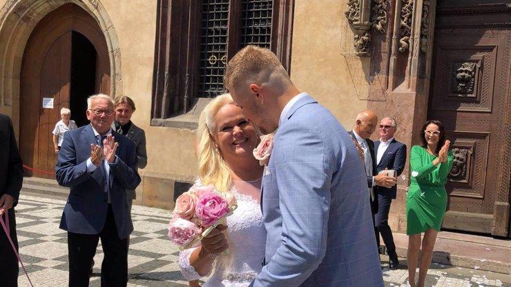 Svatba Moniky Štikové vyvolala poprask: Kolouškovi Petrovi se lidé smějí, ale láska hory přenáší
