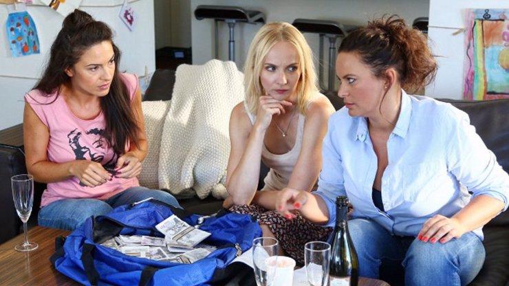 Kdo je Veronika ze seriálu Černé vdovy: Utekla sbírat talíře, pak si založila kabaret!