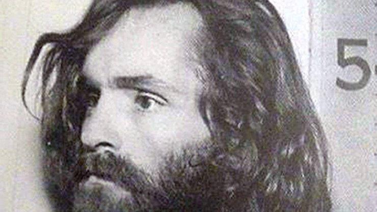 Smrt šíleného zločince: 7 běsů v životě Charlese Mansona