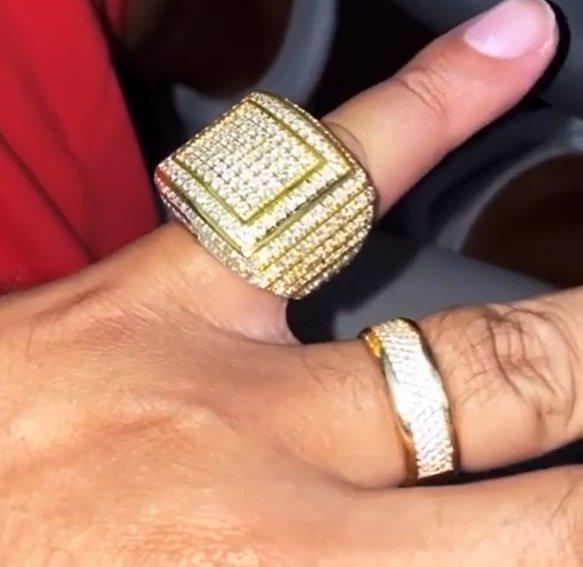 Král rapu Rytmus si žije v luxusu: Novopečený taťka chodí ověšený šperky za miliony