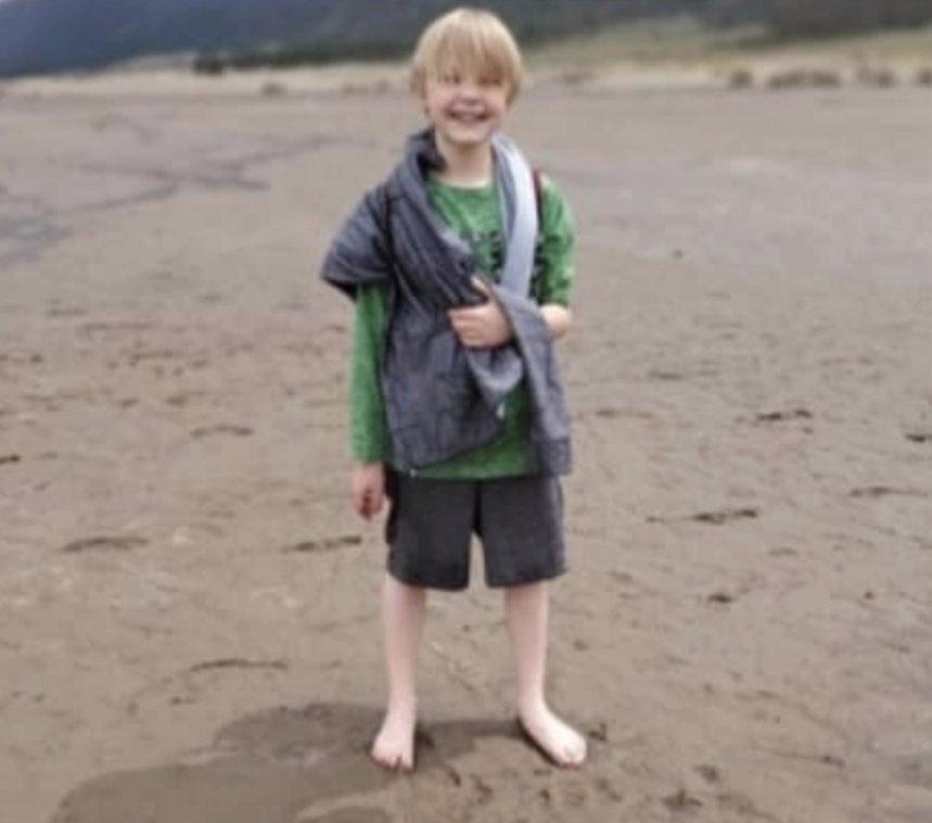 Strašlivá smrt jedenáctiletého chlapce: Rodiče Zacharyho předávkovali vodou