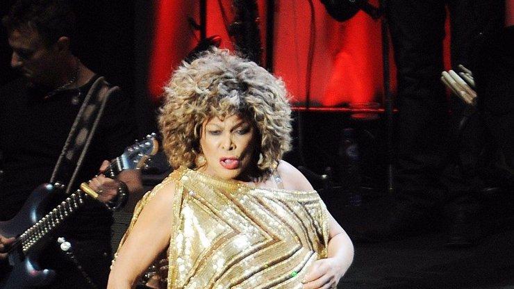 Tina Turner slaví 80. narozeniny: Rockovou babičku mlátil manžel a neměla co jíst