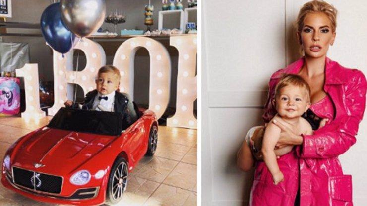 Nejrozkošnější dítě Instagramu: Syn A.N.D.U.L.Y oslavil 1 rok v motýlku a červeném bouráku
