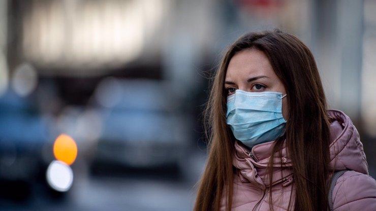 Černý pátek v Česku: Koronavirus zjištěn u 798 lidí, situace je zlá