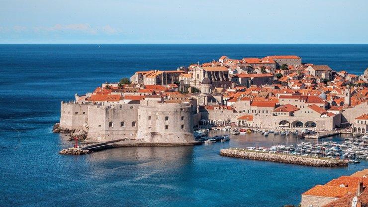 Je dovolená u Jadranu ohrožená? Epidemická situace v Chorvatsku se rapidně zhoršuje