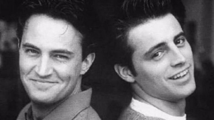 Hezounkové z Přátel Joey a Chandler po dvaceti letech: Ze svůdníků jsou dnes dědkové!