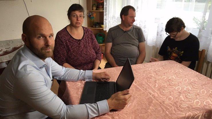 Nový pořad Cesty z dluhů: Televize Prima pomůže lidem postavit se zpět na vlastní nohy