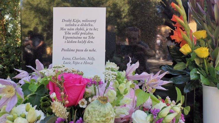 Dojemný vzkaz pro Karla Gotta do nebe: Dopis napsala rodina, podpis nejstarší dcery ale chybí