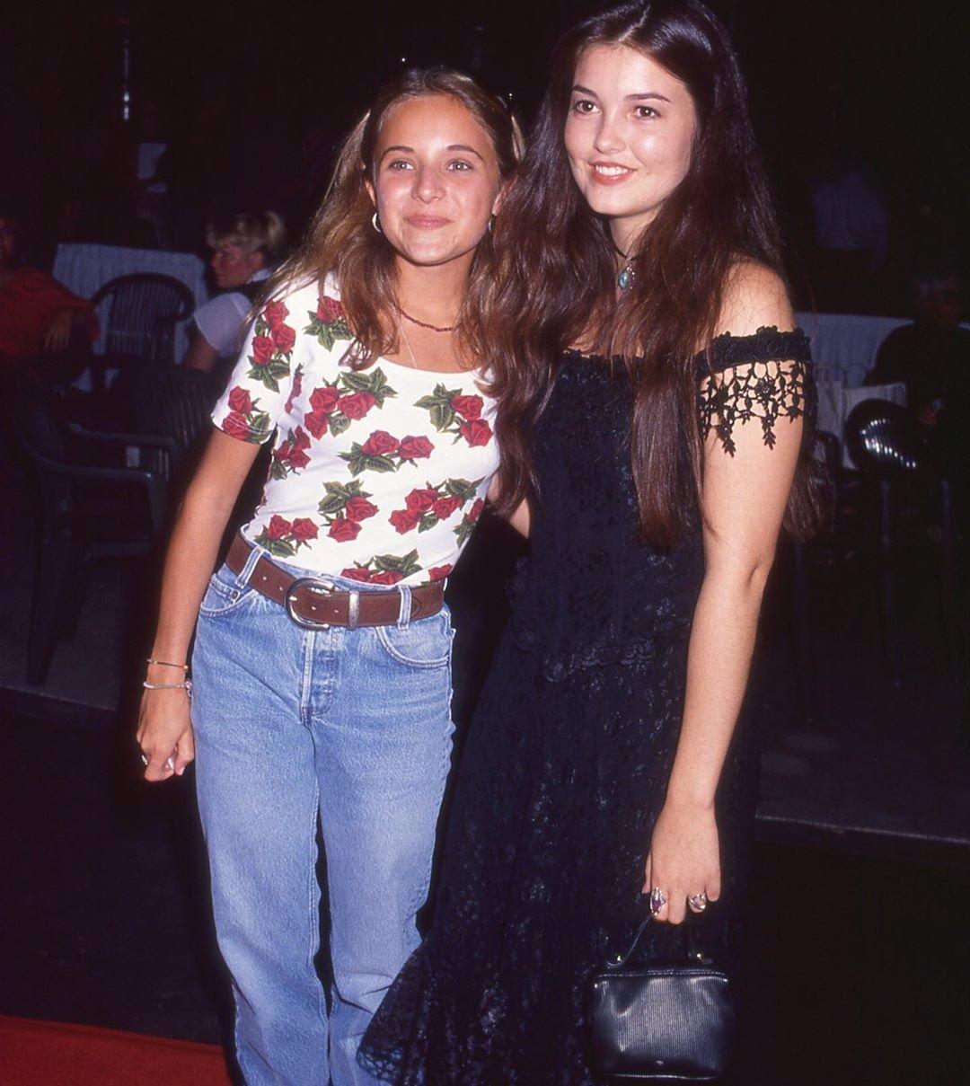 Al z Kroku za krokem zveřejnila fotku po 21 letech: Poznali byste ještě seriálové sestry?