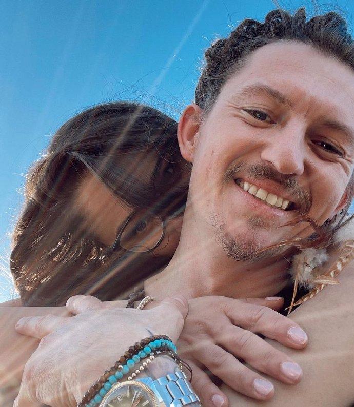 Hvězda Slunečné Eva Burešová slaví 28. narozeniny: Syn zdědil úsměv po mamince, píší lidé