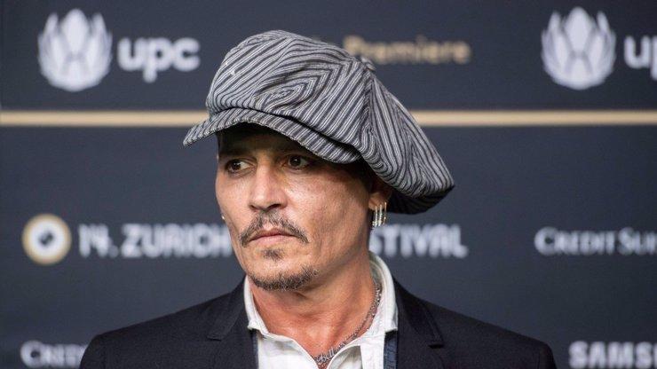 Bouřlivák Johnny Depp poslal vzkaz svým fanouškům: Pirátův profil se hemží srdíčky