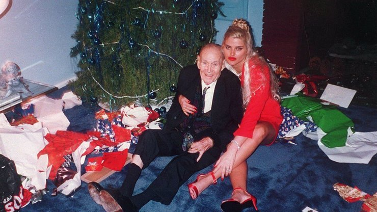 Před 12 lety se předávkovala nejslavnější zlatokopka Anna Nicole Smith: Svatba s miliardářem (†89) a smrt syna!