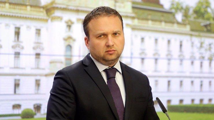 Jurečka hodil vidle do plánů na odstavení Babiše: Případná koalice nesmí schválit manželství gayů a leseb!