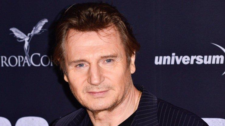 Liam Neeson má 68: Jeho životem prošla spousta žen, randil i s Baby z Hříšného tance