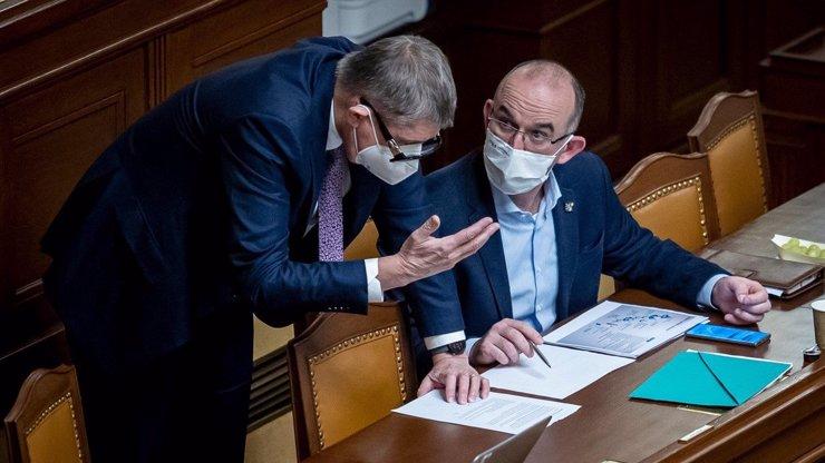 Babiš chtěl prodloužit nouzový stav do konce března: Sněmovna návrh zamítla