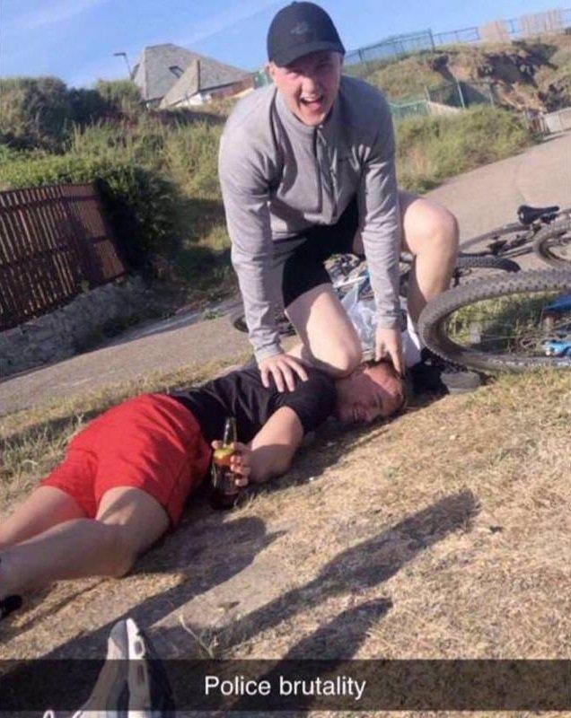 Floyda (†46) znovu udusila americká mládež: Za video znázorňující brutální čin byli zatčeni tři muži