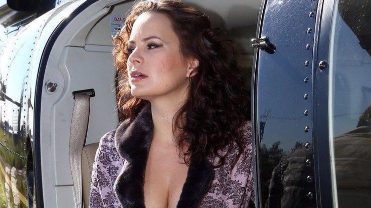 Jitka Čvančarová půl roku po porodu odhaluje výstřih: Tahle prsa jí mohou všechny závidět!