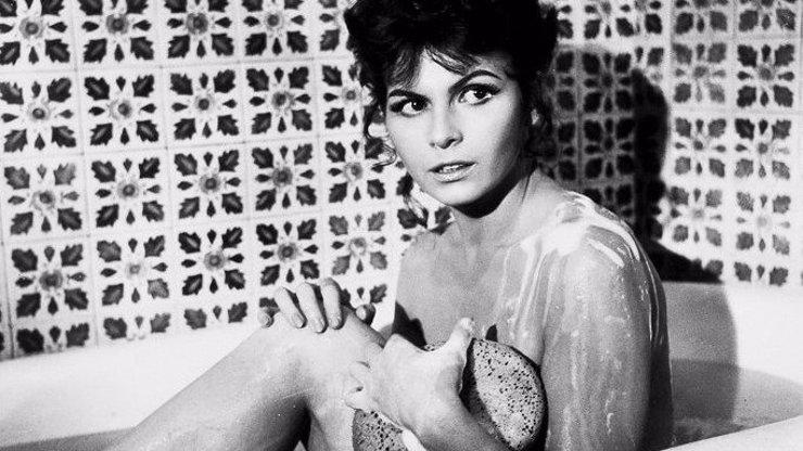 Další Bond girl zemřela: Agent 007 nyní oplakává krásnou Bonitu z Goldfingeru