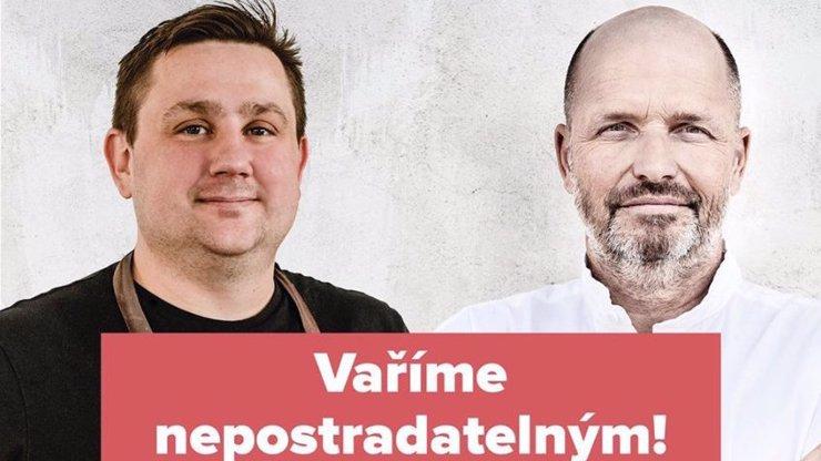 Zdeněk Pohlreich a Jan Punčochář vaří záchranářům: Denně rozvezou až 500 jídel