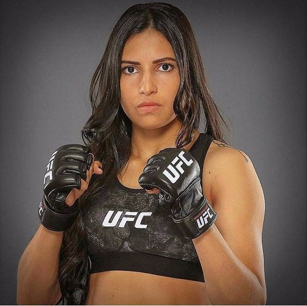 Tomu se říká smůla: Zloděj si vybral špatnou ženu, bojovnice UFC mu málem urazila půlku hlavy!