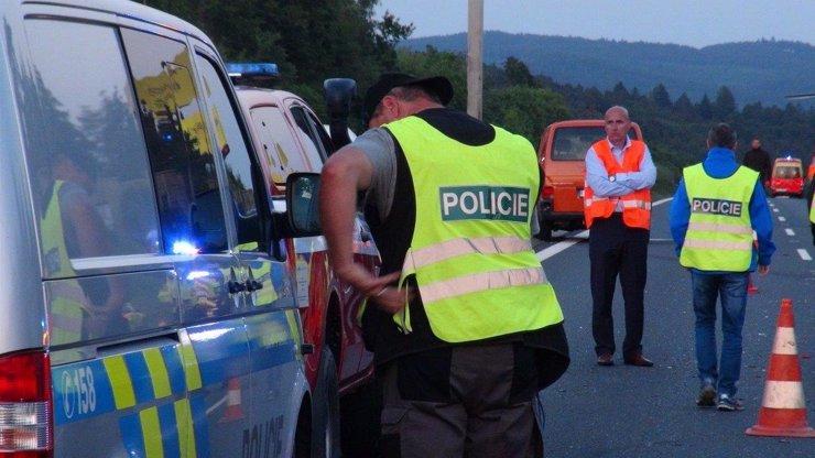 Hromadná nehoda 7 aut na D1: Uzavřená dálnice a jeden zraněný