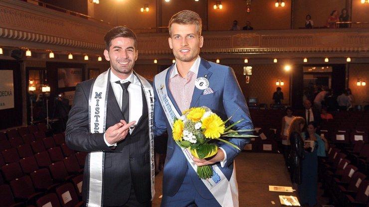 Nevěřili jsme mu, ale on to dokázal: Tomáš Dumbrovský zválcoval mezinárodní soutěž krásy!