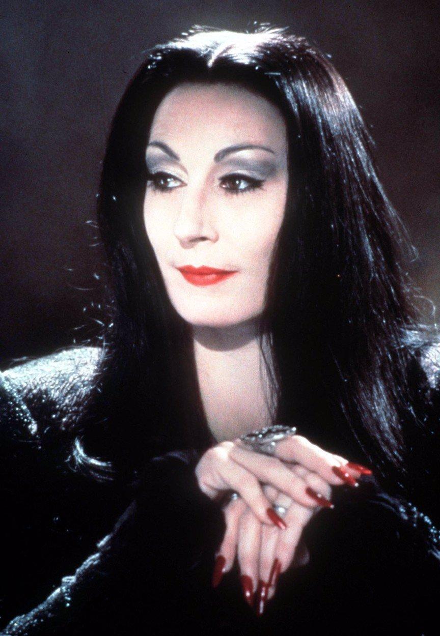 Addamsova rodina po 30 letech: Raul Julia coby podivín Gomez nestihl ani zestárnout