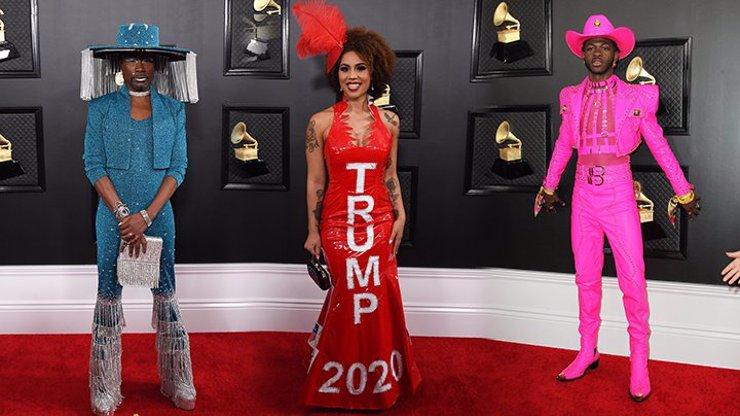 Největší strašáci na Grammy 2020: Homo Zoro, fanynka Trumpa a růžový mužík Lil Nas X