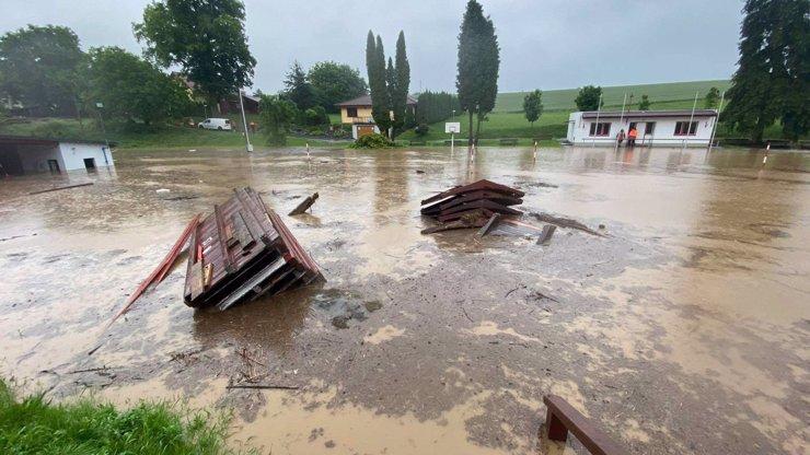 Povodně v Česku si vybraly krutou daň: Nejmladší obětí je osmiletá holčička, s ní zemřelo dalších 7 lidí