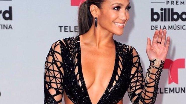 Jennifer Lopez se vyfotila po probuzení a bez make-upu: Nikdo nevypadá po ránu líp! Foto uvnitř