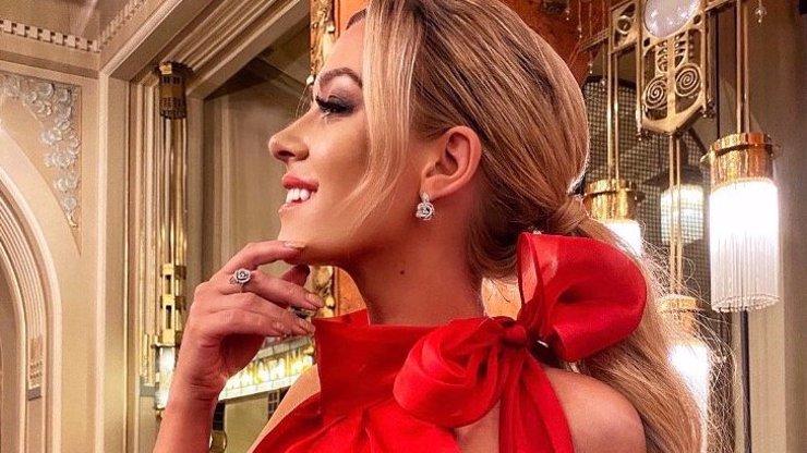 Myslivcová královnou plesu: Vida, jak to jde, když se změní stylista!