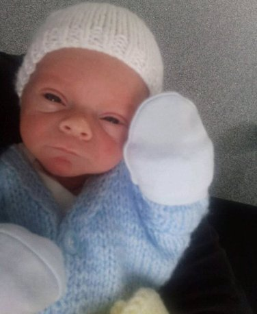 NEOPATRNÁ SESTRA: Novorozená Izabelka jí při očkování spadla na zem, teď má prasklou lebku