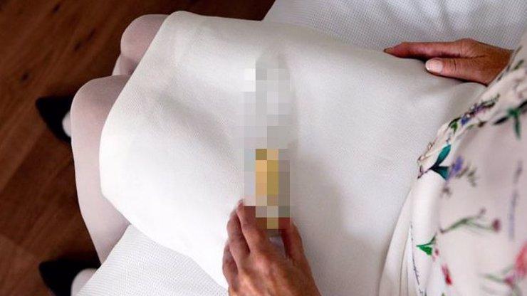 Jak správně uctít památku zesnulých? Přece umístit jejich ostatky do sexuálních pomůcek!