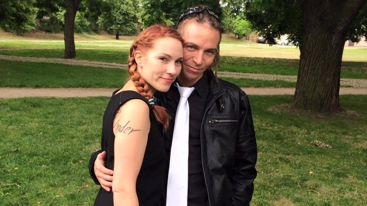 Kapitán Bartoš oslaví dva roky od svatby se svou