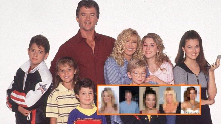 Hvězdy seriálu Krok za krokem už byste nepoznali: Z některých jsou oškliví starci, jiné se drží, ale změnily se k nepoznání!