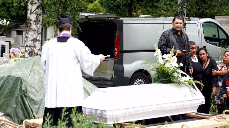 Vrah Marečka už je uložen na hřbitově: Bude mít náhrobek nebo jen dřevěný kříž?