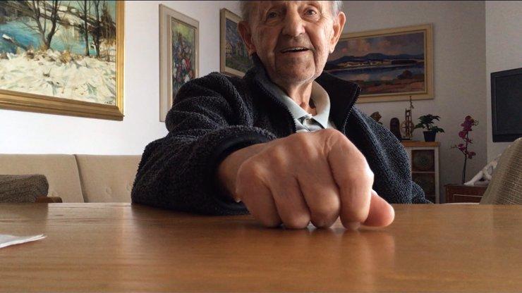 Milouš Jakeš o mládí: Zub mi spravil technik s kolovrátkem tak dobře, že mi vydržel 50 let
