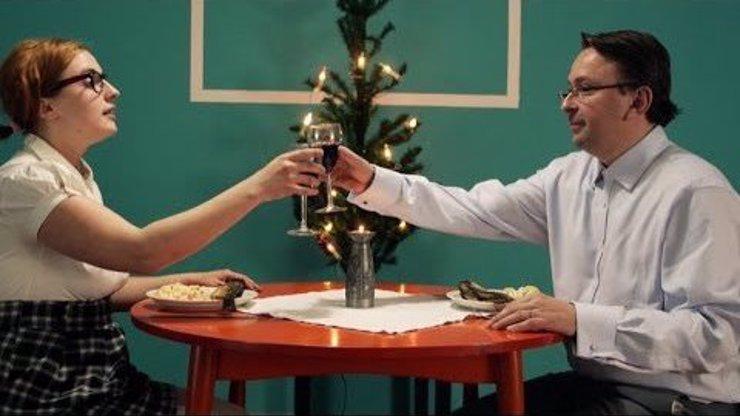 Tuhle písničku si ke stromečku určitě nepustíte: Český herec Marek Daniel ve velmi vulgárním klipu o Ježíšovi